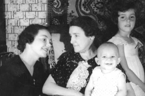 0024 -24Mémé Mamine Loulou Josette