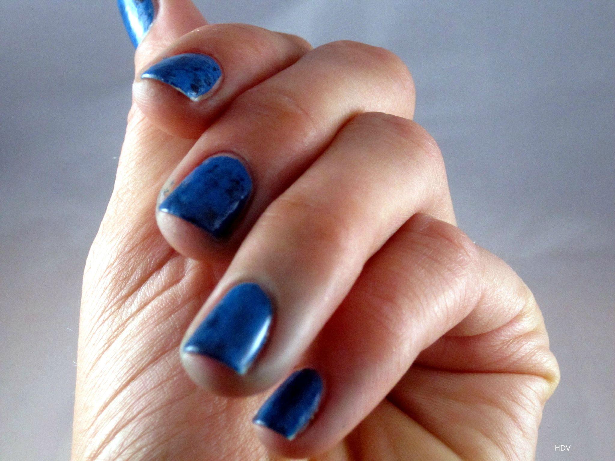 la technique du nail wrap ou comment faire des turquoises sur ses ongles histoire de vernis. Black Bedroom Furniture Sets. Home Design Ideas