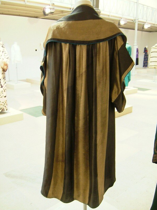 Caftan lamé or