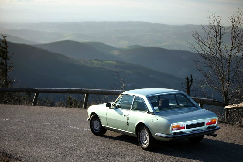 Peugeot_504_coupe_2