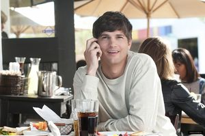 No_Strings_Attached_HQ_ashton_kutcher_18843720_1600_1062