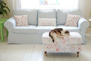 yvonne_of_yvestown_sofa