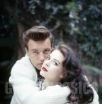 natalie_wood-1958-by_basch-with_robert_wagner-7