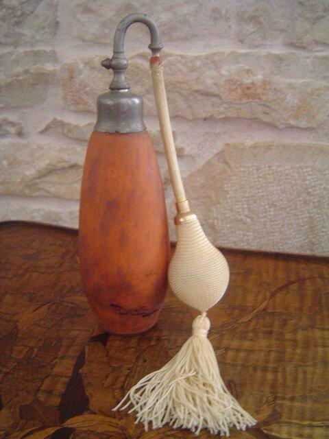 Vaporisateur parfum en p te de verre delatte photo de for Articles decoration