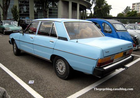 Peugeot_604_V6_TI__Tako_Folies_Cernay_2011__02