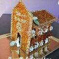 Pièce montée de choux en forme d'église.