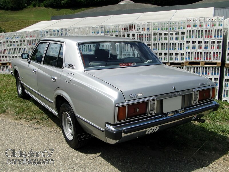 toyota-crown-deluxe-1979-2