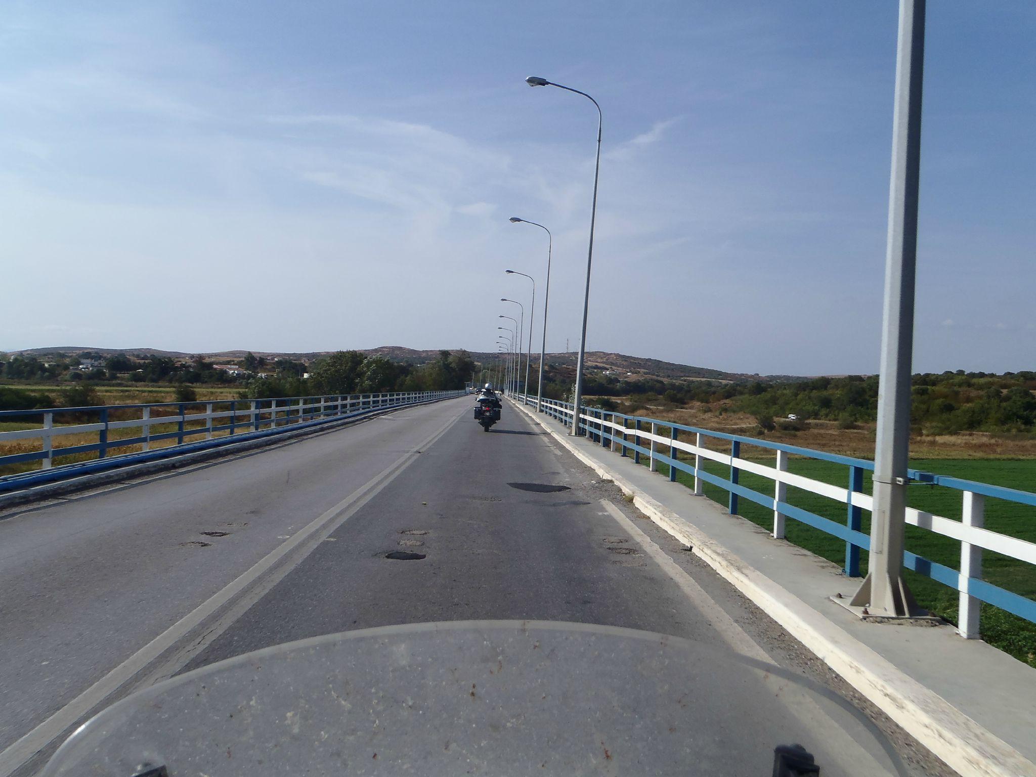 turquie grece : pont bleu coté grec