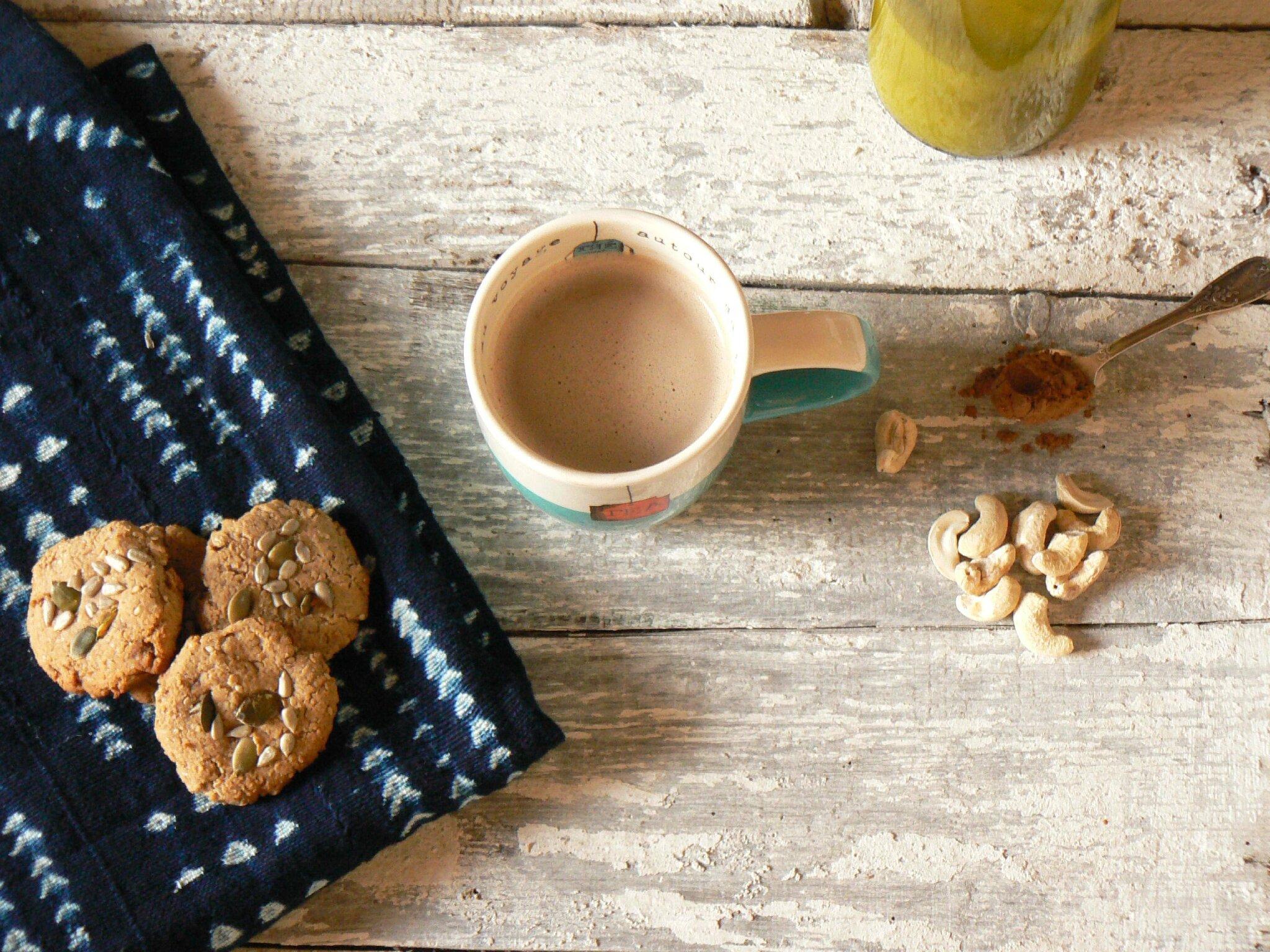 Lait de cajou à la caroube - biscuits sans gluten pulpe de cajou