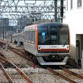 10 000 serie arriving at Wakoshi eki