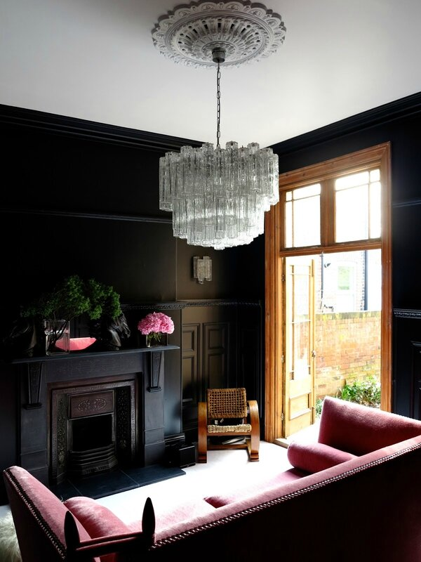 www_47parkavenue_co_uk_jpg farrow&ball off black painted walls 7