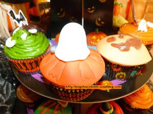 12 10 27 - cupcakes halloween - présentation (11)