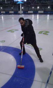 curling man 3