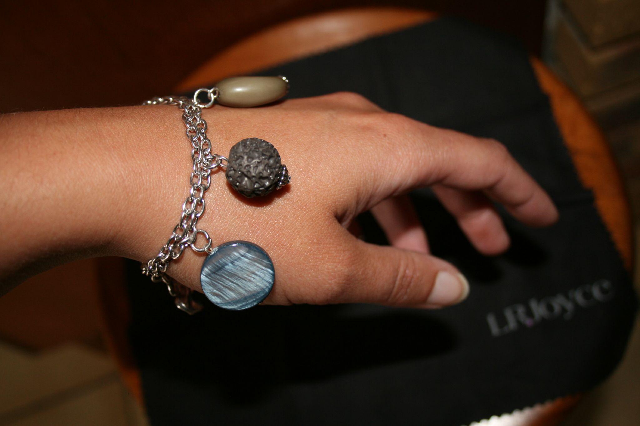 bracelet E.W & F