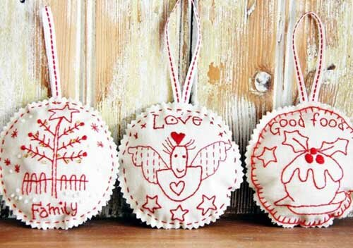 redwork-christmas-embroidery3-731x1024
