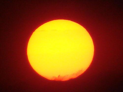 2008 05 22 Un gros zoom sur le soleil qui se couche