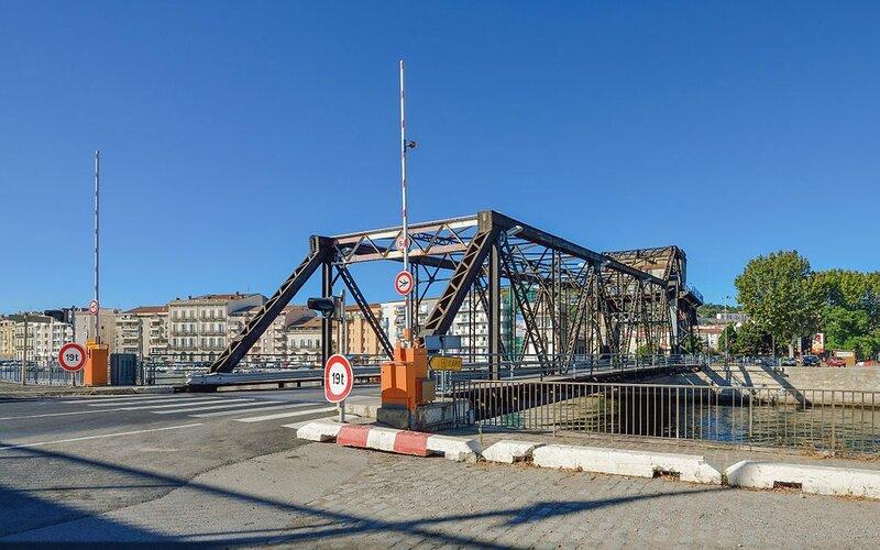 1024px-Sadi-Carnot_Bridge,_Sète,_Hérault_02