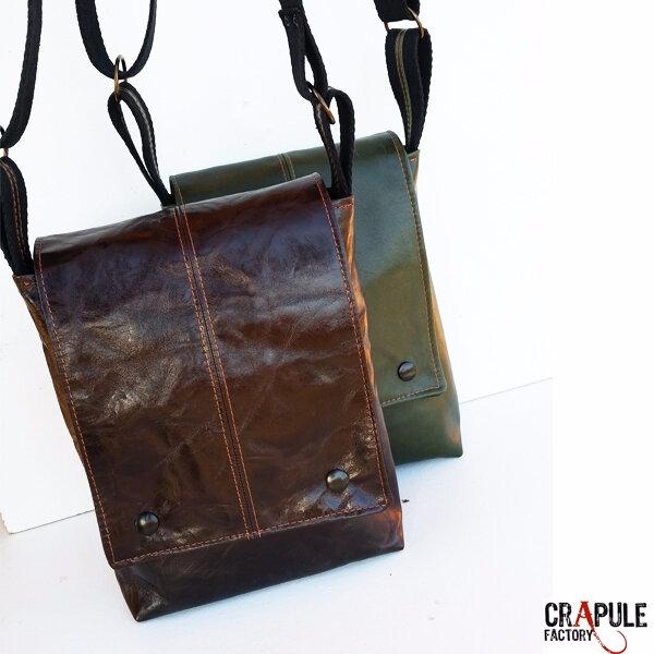 sac besace cuir pour homme masculin artisanal made in France - maroquinerie française - crapule factory Stéphanie ERLICH-MAUJEAN artisan, créateur de beau www.crapule-factory.com