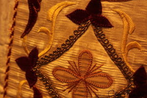 detail_broderie_vetement_liturgique_14
