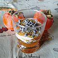 Verrines de kakis aux pistaches et chocolat