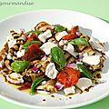 Salade d'aubergines grillées aux tomates confites et fromage de chèvre