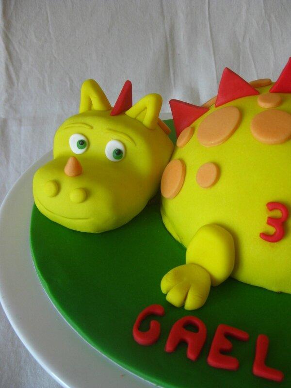 20150808 gâteau dragon (12)