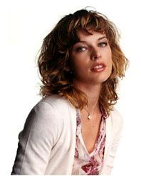 milla_jovovich_elle_2002_may_mini3