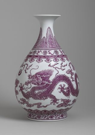 12_Falangcai_Porcelain_Pear_shaped_vase