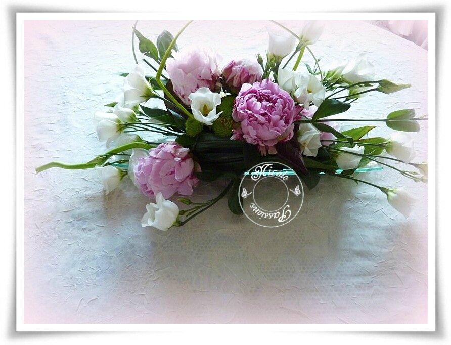un bouquet improvis avec les fleurs de l 39 amiti nicole passions. Black Bedroom Furniture Sets. Home Design Ideas