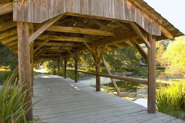covered-bridge-walkway