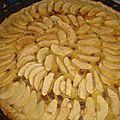 Tarte aux pommes rhum-raisins