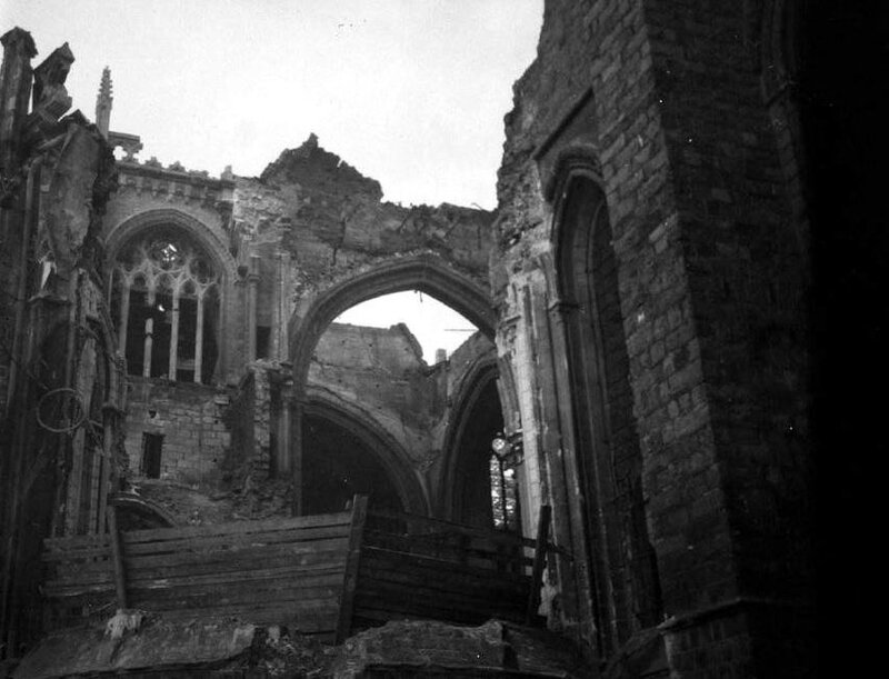 Ruines Cathéd St Martin Ypres3