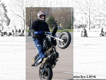 Motards_acrobates_17