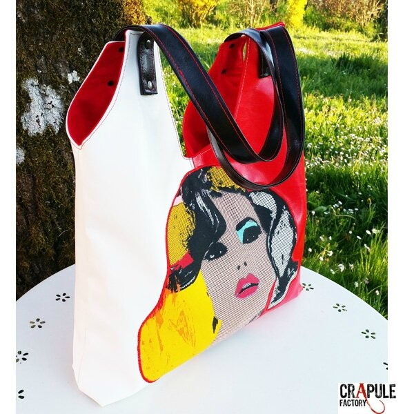 greta-sac-de-createur-pop-original-rouge-satine-blanc-satine-cuir-synthetique-applique-blonde-style-mariyn-coloree-cabasqq-