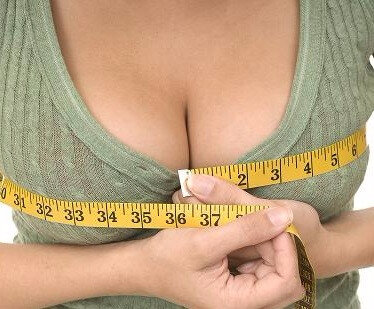 comment-avoir-seins-plus-gros-grossir-sa-poitrine-seins-trop-petits-solution-remedes-pour-grossir-sa-poitrine-1