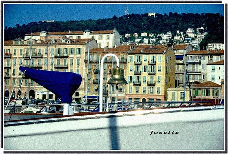 020_du_pont_d_un_navire__le_Mt_Boron_en_fond
