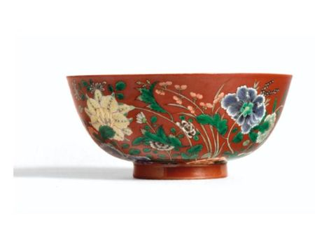 A_FINE_FAMILLE_VERTE_CORAL_GROUND_FLORAL_BOWL