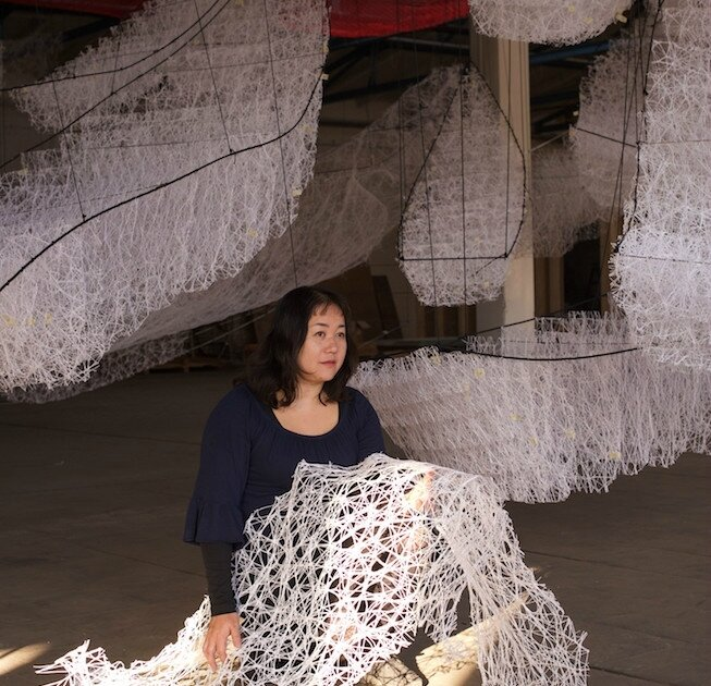 Csexposition-where-are-we-going-chiharu-shiota-au-bon-march-rive-gauche-du-14-janvier-au-18-fvrier-2017-copyright-sunhi-mang-10-tt-width-653-height-630-fill-0-crop-1-bgcolor-ff