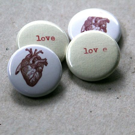 badge-love-coeur