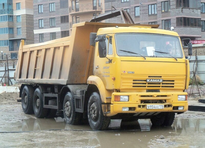 KAMAZ-65201_in_St__Petersburg_jpeg