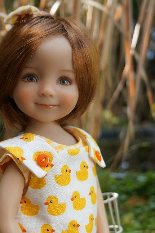 Un jour , une poupée - Elysée , Little Darling de Géri Uribe -