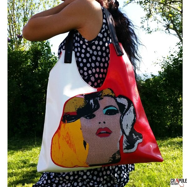 greta-sac-de-createur-pop-original-rouge-satine-blanc-satine-cuir-synthetique-applique-blonde-style-mariyn-coloree-scabas-