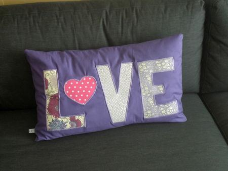 coussin_violet_love