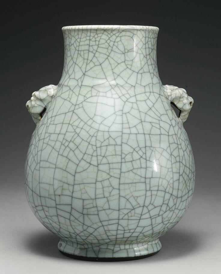 A rare guan-type vase, hu, Qianlong seal mark and period3