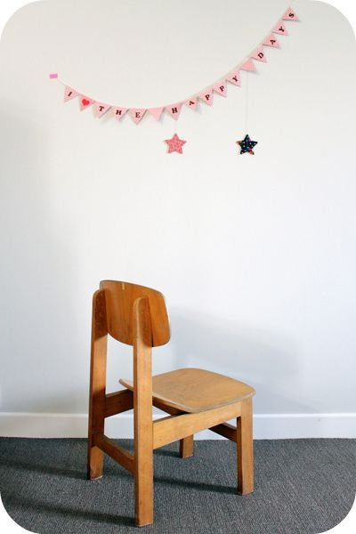 petite chaise enfant vintage en bois l 39 atelier du petit parc. Black Bedroom Furniture Sets. Home Design Ideas