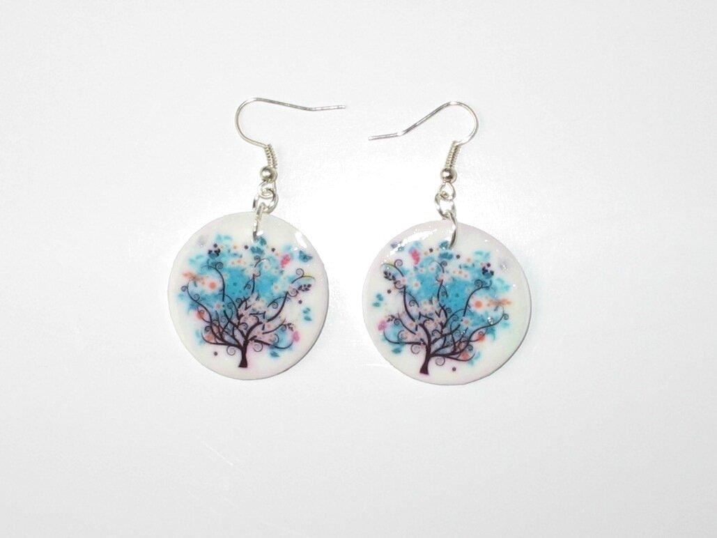 boucles d'oreilles fimo arbre fleurs bleues