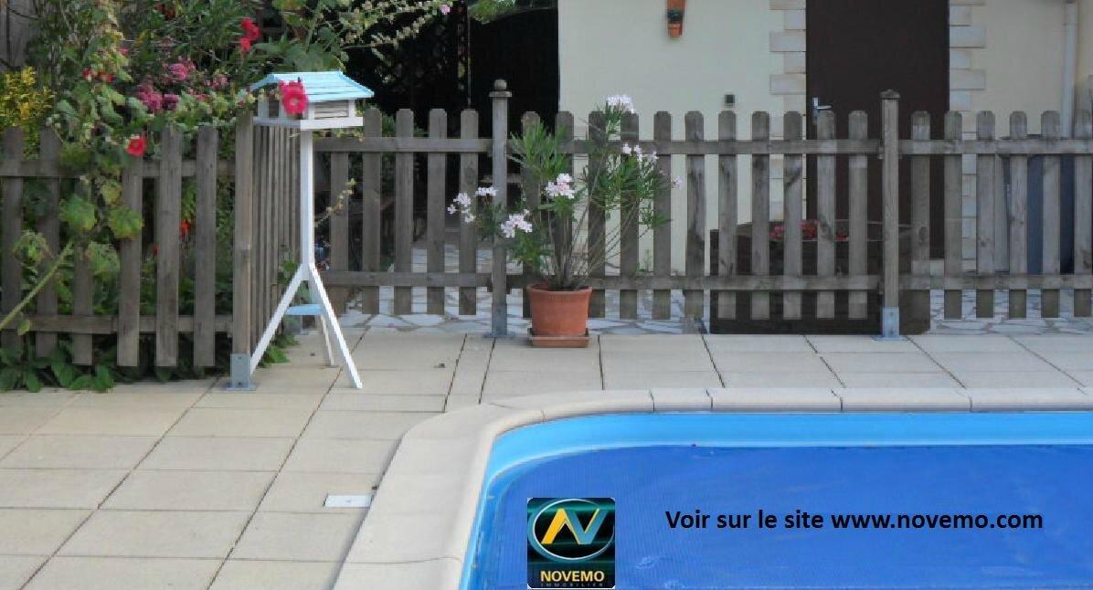 maison vendre la roche sur yon 85000 vente maison entre particuliers la roche vend e 85. Black Bedroom Furniture Sets. Home Design Ideas
