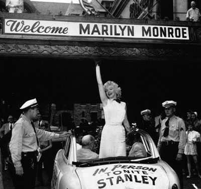 1952_09_atlantic_city_Monkey_Business_Parade_010_1