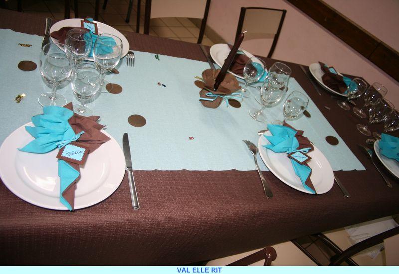 Deco de table et de salle chocolat et turquoise val for Idee deco 70 ans