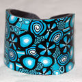 Black_and_blue_Bracelet_esclave_en_pâte_fimo